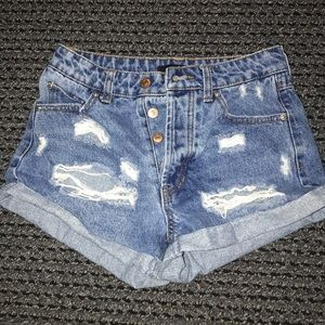 Forever 21 jean shorts size 24